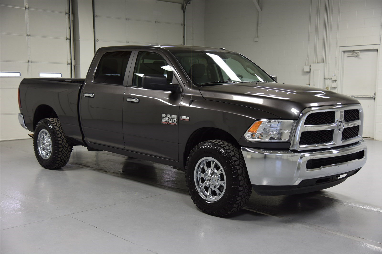 pre owned 2016 dodge ram 2500 crew cab slt truck in wichita e562950 super car guys. Black Bedroom Furniture Sets. Home Design Ideas